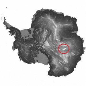 озеро Восток в Антарктиде ( белое пятно в кружке)