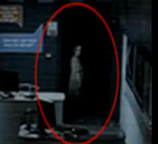 В британском салоне сотовой связи поселилось привидение (ВИДЕО)