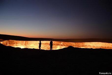 Дарваза – дверь в пустыню (ФОТО)